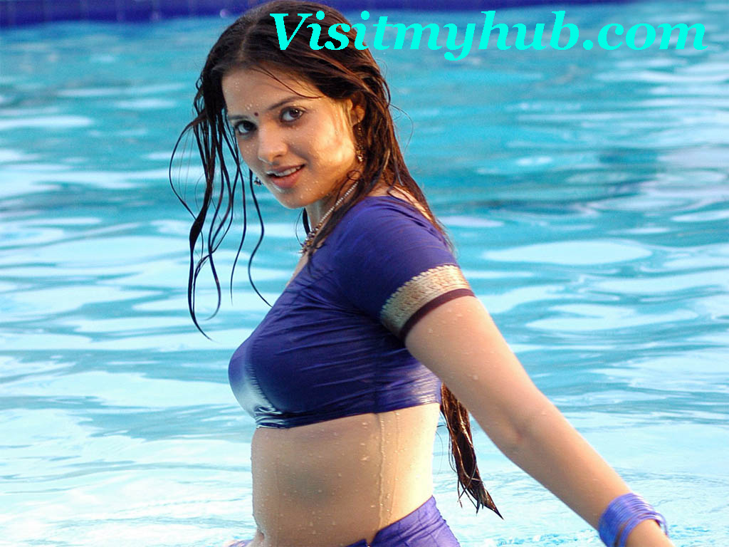 saloni in blue blouse hot spicy boobs exposing photos saloni hot