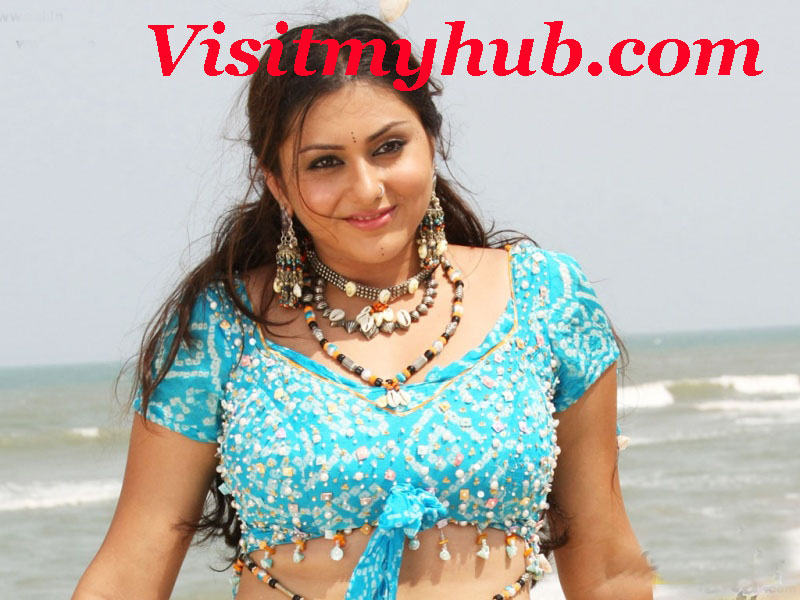 Tamil Hot Namitha Blue Blouse Smiling Stills Beach Sex